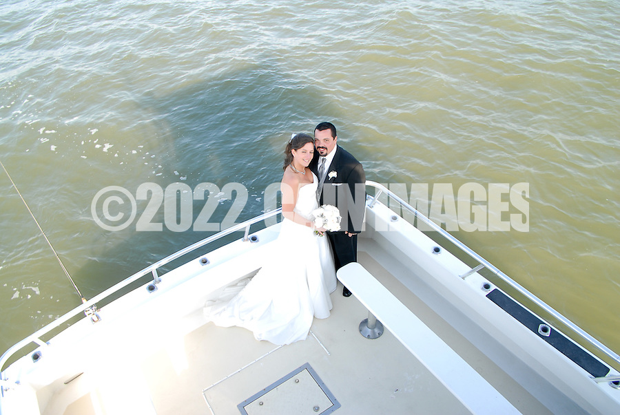 12/7/09 - 12:34:31 PM - ABOARD THE INTRIGUE - ON THE DELAWARE BAY: Diana & Ken - December 7, 2009 - Aboard the Intrigue - On The Delaware Bay. (Photo by William Thomas Cain/cainimages.com)