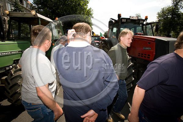 BRUSSELS - BELGIUM - 18 JUNE 2008 -- Hundreds of Farmers from belgian Wallonia went with their tractors to brussels to protest against high fuel cost the day before an EU summit to push leaders for help coping with skyrocketing fuel prices. Farmers just arrived in Brussels with their tractors.  Photo: Erik Luntang/EUP-IMAGES