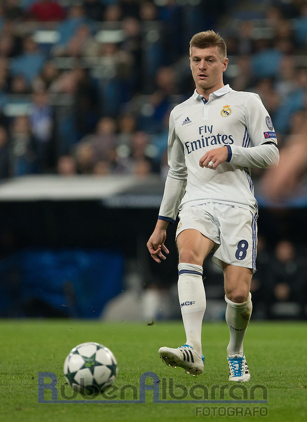 Real Madrid's German midfielder Tony Kroos during the UEFA Champions League match between Real Madrid and Borussia Dortmund at the Santiago Bernabeu Stadium in Madrid, Tuesday, December 7, 2016.