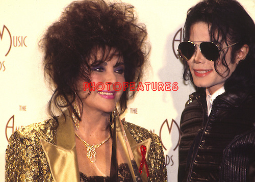 Michael Jackson 1993 American Music Awards with Elizabeth Taylor