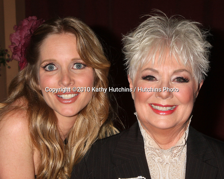 """LOS ANGELES - OCT 17:  Lauralee Bell, Shirley Jones at the shooting of the """"Family Dinner"""" episode Guest Starring Shirley Jones  at Cravings Resturant on October 17, 2010 in W. Hollywood, CA"""