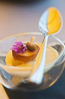 Europe/France/Rhône-Alpes/73/Savoie/Jongieux: Gâteau de Champignions et bouillon beurré, recette de Michaël Arnoult : Restaurant: Les Morainières