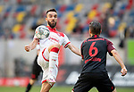 Kenan KARAMAN l. (D) im Zweikampf gegen Jeffrey GOUWELEEUW (A),<br /><br />Fussball 1. Bundesliga, 33.Spieltag, Fortuna Duesseldorf (D) -  FC Augsburg (A), am 20.06.2020 in Duesseldorf/ Deutschland. <br /><br />Foto: AnkeWaelischmiller/Sven Simon/ Pool/ via Meuter/Nordphoto<br /><br /># Editorial use only #<br /># DFL regulations prohibit any use of photographs as image sequences and/or quasi-video #<br /># National and international news- agencies out #