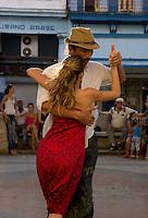 couple dancing Tango on Prado boulvard, Havana