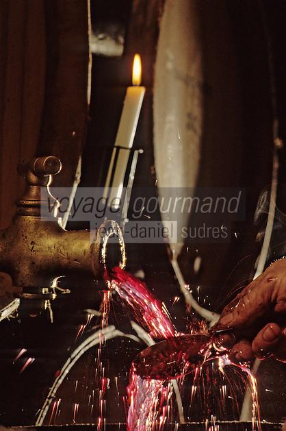 Europe/France/Bourgogne/21/Côte d'Or/Nuits Saint Georges: Les caves de la maison Charles Vienot - Sous-tirage Vosne Romanée