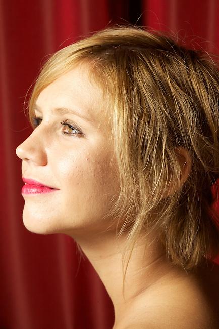 Claire Lise La Chambre Rouge