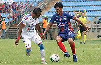 SANTA MARTA - COLOMBIA, 11-05-2019: Juan Carlos Pereira de Unión disputa el balón con Fabian Viafara de Pasto durante partido por la fecha 1, cuadrangulares semifinales, de la Liga Águila I 2019 entre Unión Magdalena y Deportivo Pasto jugado en el estadio Sierra Nevada de la ciudad de Santa Marta. / Juan Carlos Pereira of Union struggles the ball with Fabian Viafara of Pasto during match for the date 1 of the semifinal quadrangular as part Aguila League I 2019 between Union Magdalena and Deportivo Pasto played at Sierra Nevada stadium in Santa Marta city. Photo: VizzorImage / Gustavo Pacheco / Cont