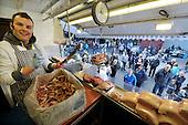 Blochairn Market - Picture by Donald MacLeod  15.4.12  07702 319 738  clanmacleod@btinternet.com