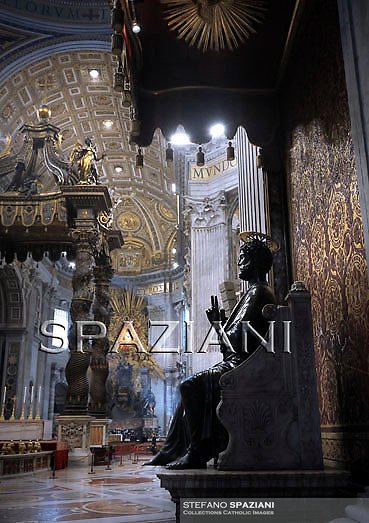 tatue St Peter Basilica St Peter at the Vatican, Chair of Saint Peter.The Cathedra Petri (Latin) or Chair of Saint Peter is a relic conserved in St. Peter's Basilica, Rome, enclosed in a gilt bronze casing that was designed by Gian Lorenzo Bernini and executed 1647-53..Above the throne in a stuccowork dorati radial surrounded by angels, is a finestrone of Fund in Alabaster depicting a dove (the wingspan is 162 cm), symbol (which, according to the Catholic doctrine, guide the successors of Peter in their job) Holy Spirit. It is the only stained glass colored the entire Basilica of Saint Peter..