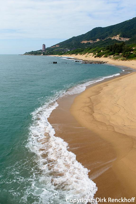 Strand bei Nanshan-Tempel Anlage bei Sanya auf der Insel Hainan, China<br /> beach at  Nanshan-temple near Sanya, Hainan island, China