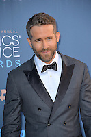 Ryan Reynolds at the 22nd Annual Critics' Choice Awards at Barker Hangar, Santa Monica Airport. <br /> December 11, 2016<br /> Picture: Paul Smith/Featureflash/SilverHub 0208 004 5359/ 07711 972644 Editors@silverhubmedia.com