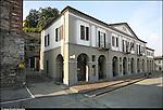 Azeglio (To). Paese che fa parte degli intinerari dei luoghi del Risorgimento. Nella foto Piazza del Municipio.