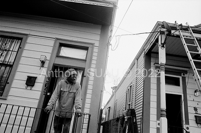 New Orleans, Louisiana.USA.February 21, 2006..Only a few residents have returned to the 7th ward shotgun houses that were only slightly damaged when the by the winds of hurricane Katrina in August 2005.......