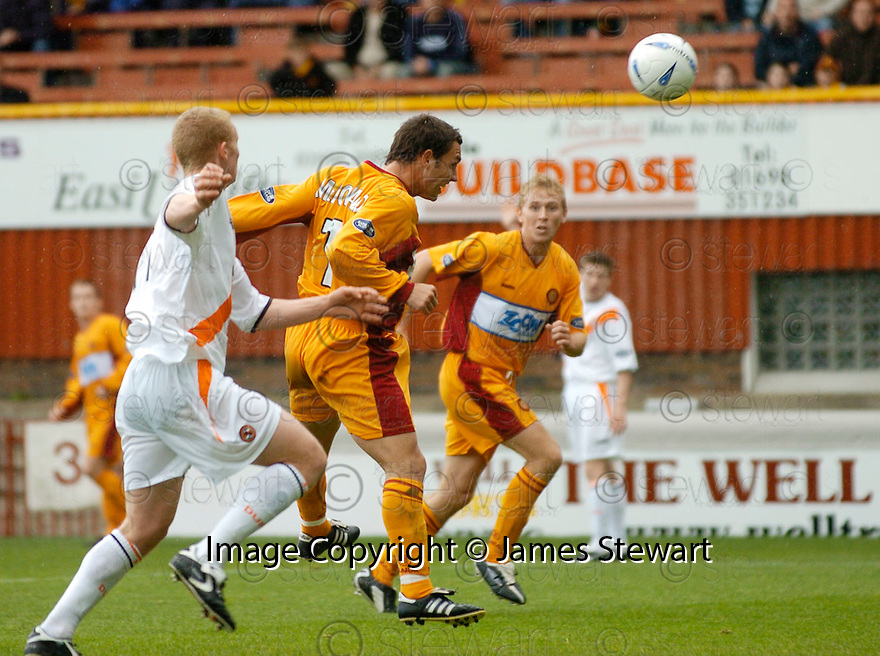 18/09/2004  Copyright Pic : James Stewart.File Name : jspa06_mwell_v_ddeeutd.SCOTT MCDONALD SCORES MOTHERWELL'S FIRST........Payments to :.James Stewart Photo Agency 19 Carronlea Drive, Falkirk. FK2 8DN      Vat Reg No. 607 6932 25.Office     : +44 (0)1324 570906     .Mobile  : +44 (0)7721 416997.Fax         :  +44 (0)1324 570906.E-mail  :  jim@jspa.co.uk.If you require further information then contact Jim Stewart on any of the numbers above.........