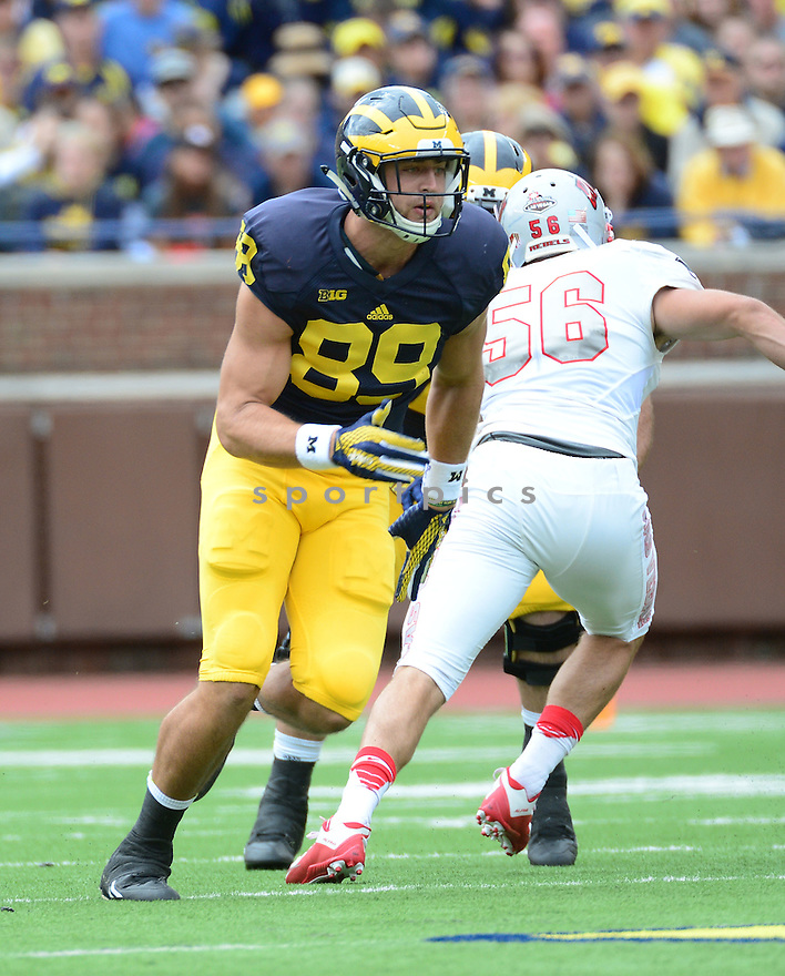 Michigan Wolverines Ian Bunting (89) during a game against the UNLV Rebels on September 19, 2015 at Michigan Stadium in Ann Arbor, MI. Michigan beat UNLV 28-7.