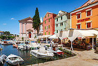 Croatia, Kvarner Gulf, Losinj Island, Veli Losinj: popular resort with picturesque harbour | Kroatien, Kvarner Bucht, Insel Losinj, Veli Losinj: beliebter Ferienort im Suedosten der Insel mit malerischem Hafen