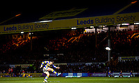 Picture by Alex Whitehead/SWpix.com - 21/02/2014 - Rugby League - First Utility Super League - Leeds Rhinos v Warrington Wolves - Headingley Carnegie Stadium, Leeds, England - Leeds' Kevin Sinfield kicks for goal.