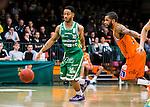 S&ouml;dert&auml;lje 2015-02-07 Basket Basketligan S&ouml;dert&auml;lje Kings - Bor&aring;s Basket :  <br /> S&ouml;dert&auml;lje Kings John Roberson i kamp om bollen med Adama Darboe under matchen mellan S&ouml;dert&auml;lje Kings och Bor&aring;s Basket <br /> (Foto: Kenta J&ouml;nsson) Nyckelord:  S&ouml;dert&auml;lje Kings SBBK T&auml;ljehallen Bor&aring;s Basket