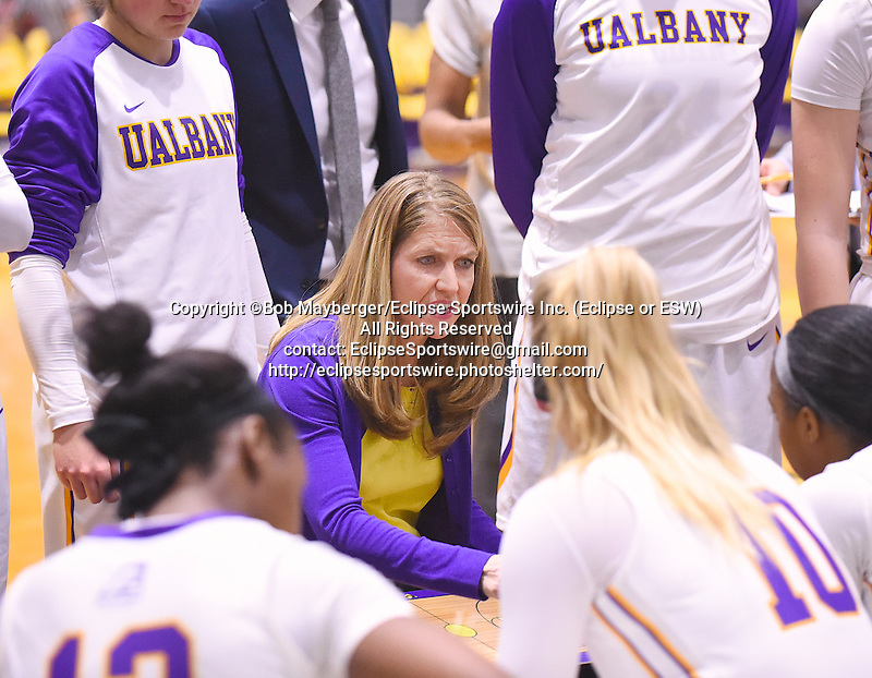 Albany defeats Stony Brook 64-54 in an America East Conference game on January 07, 2017 at SEFCU Arena in Albany, New York.  (Bob Mayberger/Eclipse Sportswire)