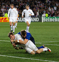 Rugby World Cup Auckland  England v France  Quarter Final 2 - 08/10/2011. MARK CUETO (England)  scores England's second try  .Photo Frey Fotosports International/AMN Images