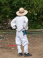 Bauer in traditioneller Kleidung im Folk-village Naganneupsong-ehemalige Festung, Provinz Jeollanam-do, Südkorea, Asien<br /> farmer  in Folk-village Naganneupsong- a former fortress, province Jeollanam-do, South Korea, Asia