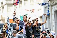 Nova York (EUA), 10/07/2019 -  Governador de Nova York Andrew Cuomo  e as jogadoras Adrianna Franch, Crystal Alyssia Dunn  e Tobin Heath Seleção feminina de futebol dos Estados Unidos atual campeão da Copa do Mundo de Futebol Feminino 2019 é recebida pelos torcedores na cidade de Nova York nesta quarta-feira, 10. (Foto: William Volcov/Brazil Photo  Press)