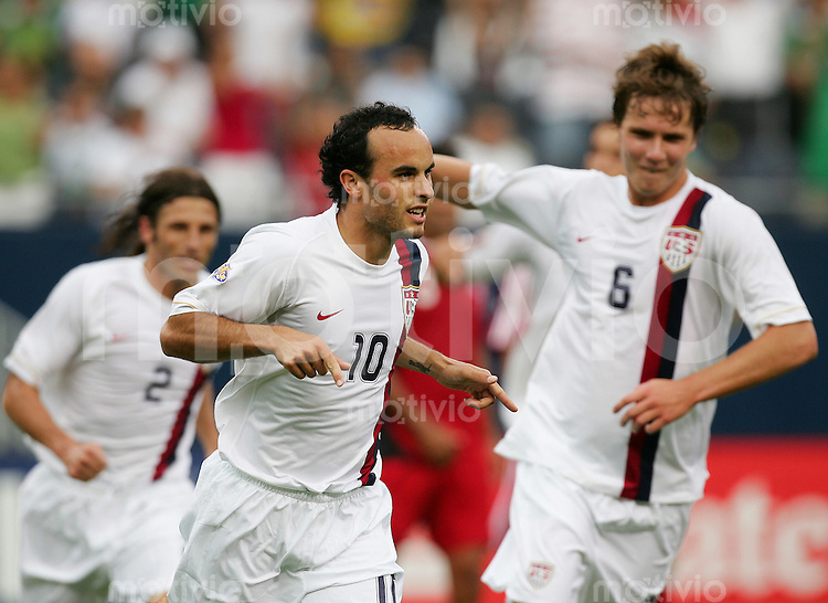 Fussball International Gold Cup Halbfinale  Canada 1-2 USA Landon DONOVAN (M, USA) jubelt zum 2:0.