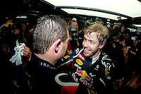 ATENCAO EDITOR: FOTO EMBARGADA PARA VEICULO INTERNACIONAL - SAO PAULO, SP 25 DE NOVEMBRO 2012 - FORMULA 1 GP BRASIL - O piloto alemao Sebastian Vettel comemora a conquista do tri campeonato durante o Grande Premio do Brasil de Formula 1, no autodromo de Interlagos, zona sul da capital, neste domingo.FOTO: PIXATHLON - BRAZIL PHOTO PRESS