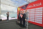 Sign on before the start of Stage 4 of Il Giro di Sicilia 2019 running 119km from Giardini Naxos to Mount Etna (Nicolosi), Italy. 6th April 2019.<br /> Picture: LaPresse/Massimo Paolone | Cyclefile<br /> <br /> All photos usage must carry mandatory copyright credit (&copy; Cyclefile | LaPresse/Massimo Paolone)