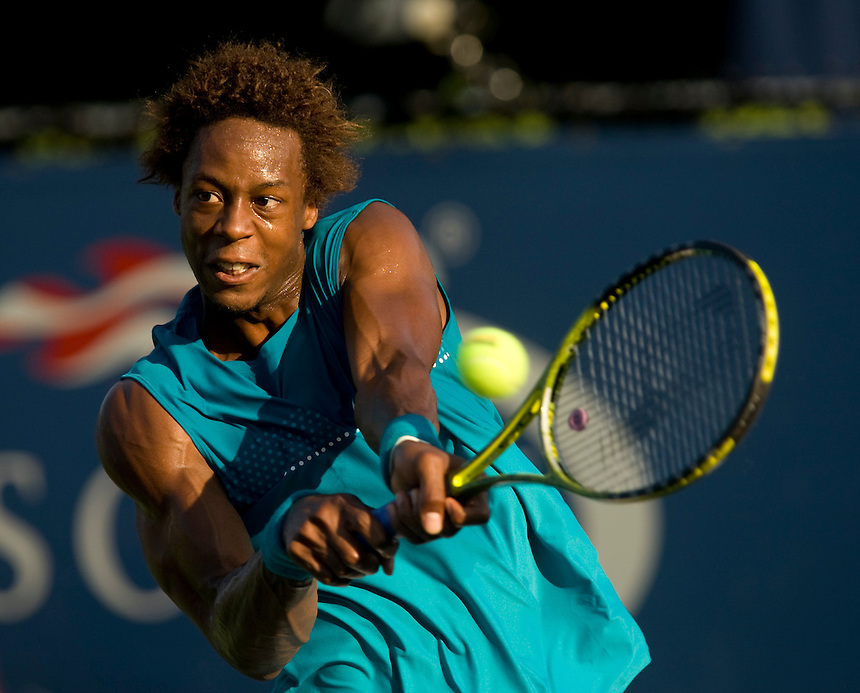 Gael Monfils FRA in action today during his victory over Andreas Beck GER  in their Men's singles 2nd Round match.Gael Monfils FRA def Andreas Beck GER 6-3 7-5 6-3..International Tennis - US Open - Day 5 Fri 04 Sep 2009 - USTA Billie Jean King National Tennis Center - Flushing - New York - USA ..