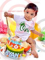 Jiyan's Birthday Cake Smash! 28/10/17