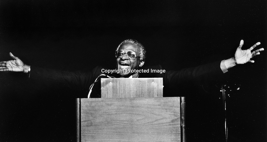 1984 Nobel Peace Prize winner, Archbishop Desmond Tutu speaking in San Francisco in 1985..(photo by Ron Riesterer)