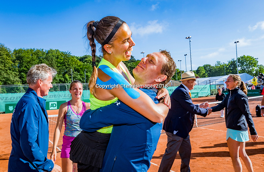 The Hague, Netherlands, 10 June, 2018, Tennis, Play-Offs Competition, Team Zandvoort celebrate Zandvoort is Champion.<br /> Photo: Henk Koster/tennisimages.com