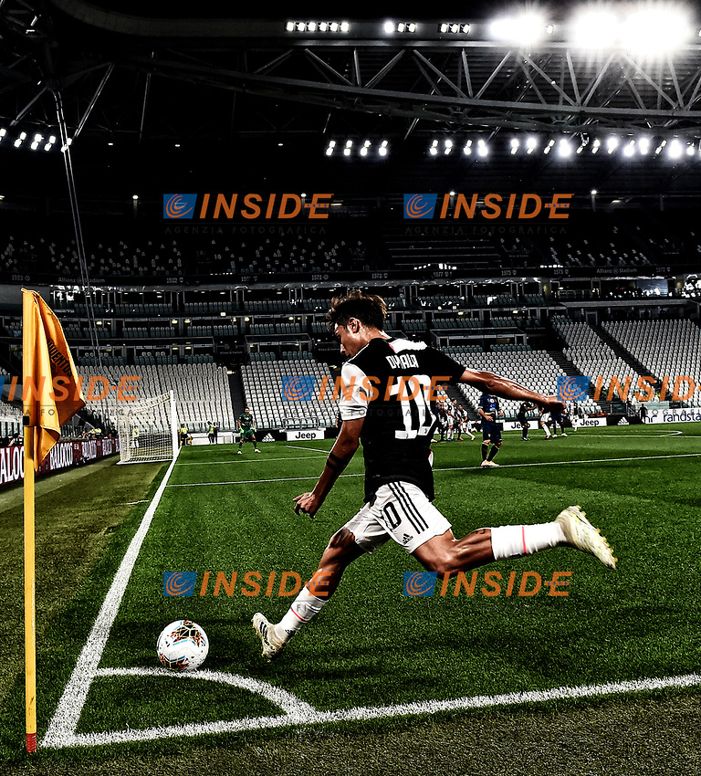 Paulo Dybala of Juventus kicks a corner kick during the Serie A football match between Juventus FC and US Lecce at Juventus stadium in Turin  ( Italy ), June 26th, 2020. Play resumes behind closed doors following the outbreak of the coronavirus disease. Photo Andrea Staccioli / Insidefoto
