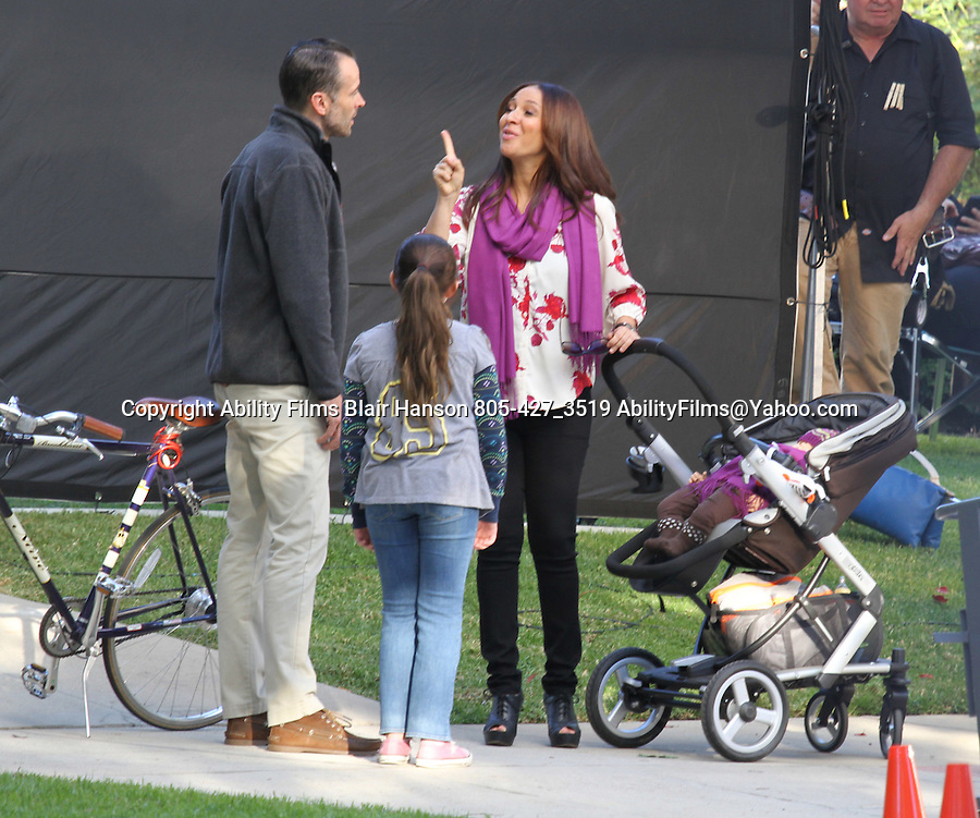 ....OCTOBER 13TH 2011   Exclusive ..Jason Lee & Maya Rudolph Filming the tv show Up all night  in Los Angeles ..AbiliyFilms@yahoo.com.805-427-3519.www.AbilityFilms.com...