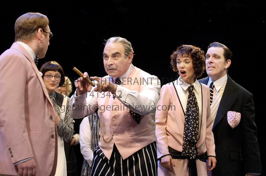 Once In A Lifetime with  Adrian Scarborough,David Suchet,Victoria Hamilton,Lloyd Hutchinson. Opens at the Olivier Theatre at the National Theatre on 15/12/05. CREDIT Geraint Lewis