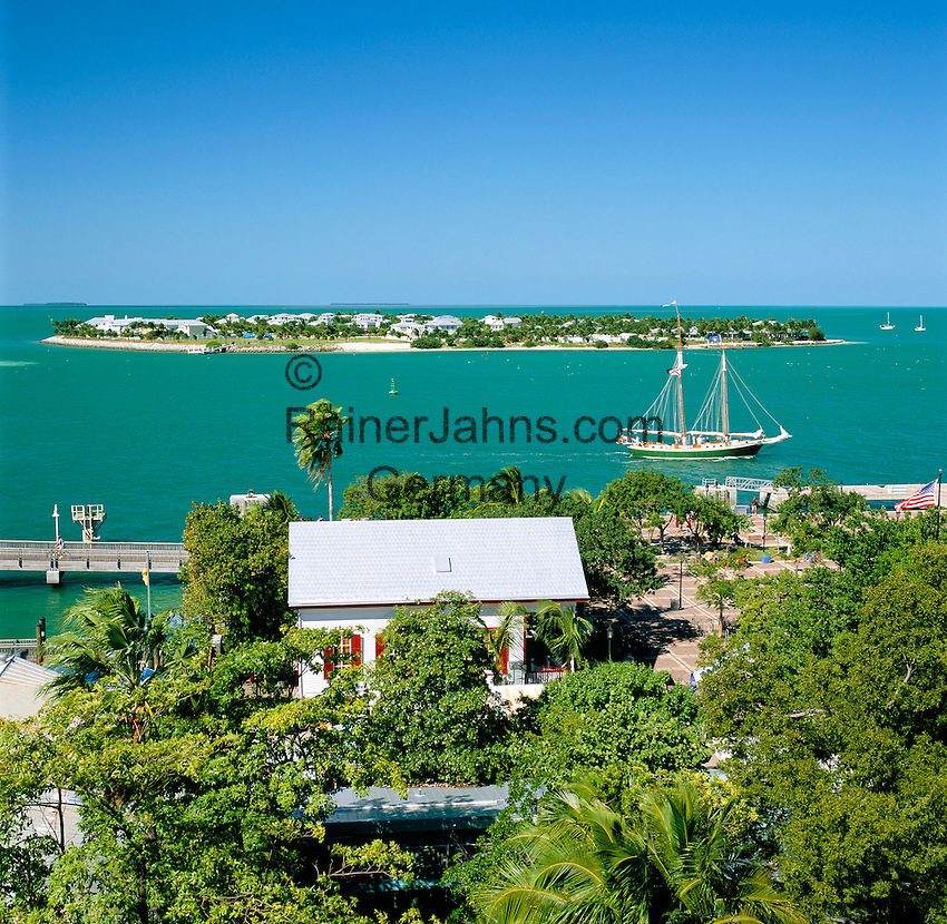 USA, Florida, Key West: Waterfront | USA, Florida, Key West: Kueste mit vorgelagerter Insel