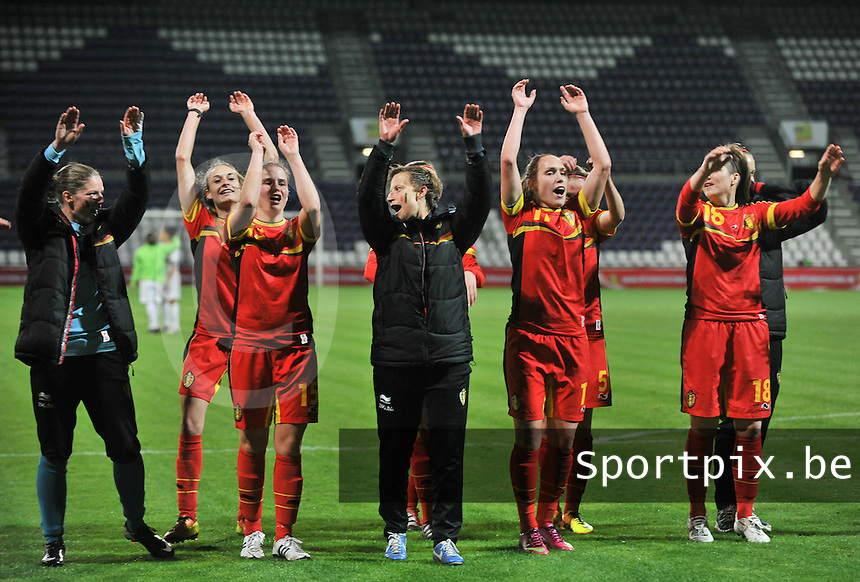 20131031 - ANTWERPEN , BELGIUM : Belgian team pictured celebrating the 4-1 win over Portugal during the female soccer match between Belgium and Portugal , on the fourth matchday in group 5 of the UEFA qualifying round to the FIFA Women World Cup in Canada 2015 at Het Kiel stadium , Antwerp . Thursday 31st October 2013. PHOTO DAVID CATRY
