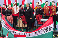 UNGARN, 15.03.2018, Budapest V. Bezirk. Vor seinen mit Hilfe eines &quot;Friedensmarsches&quot; aktivierten Anhaengern begeht MP Viktor Orb&aacute;n den 1848-er Nationalfeiertag auf dem Kossuth-Platz am Parlament. | Together with his supporters, activated by a so called &quot;peace march&quot; PM Viktor Orban celebrates the 1848 national holiday on Kossuth square in front of the parliament building. <br /> &copy; Szilard V&ouml;r&ouml;s/estost.net