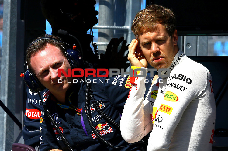 Christian Horner (GBR), Red Bull Racing, Sporting Director - Sebastian Vettel (GER), Red Bull Racing<br /> for the complete Middle East, Austria &amp; Germany Media usage only!<br />  Foto &copy; nph / Mathis