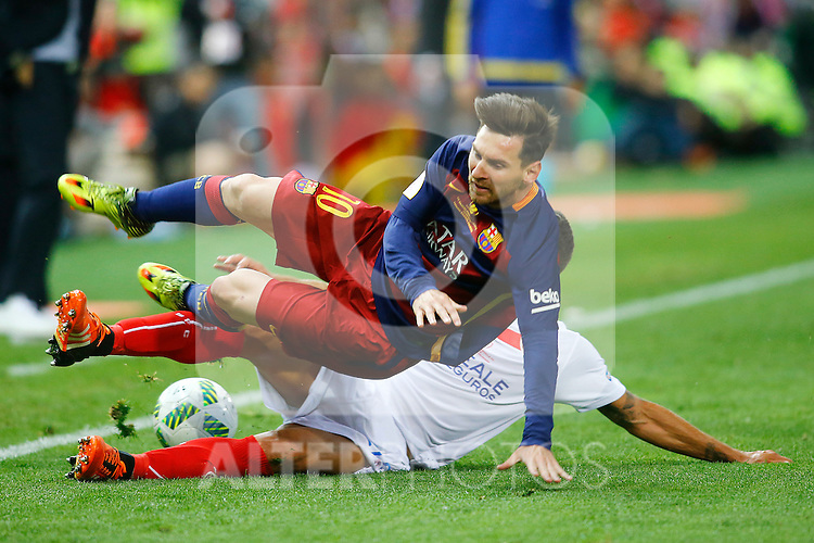 FC Barcelona's Leo Messi (t) and Sevilla CF's Daniel Carrico during Spanish Kings Cup Final match. May 22,2016. (ALTERPHOTOS/Acero)