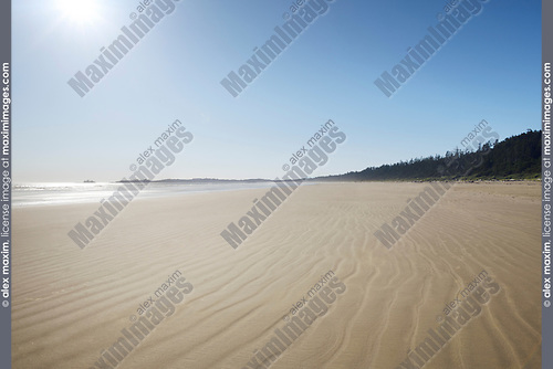 Pacific Rim National Park Reserve, Long Beach at Green Point in bright summer sunshine. Pacific ocean shore at Tofino, Vancouver Island, BC, Canada Image © MaximImages, License at https://www.maximimages.com