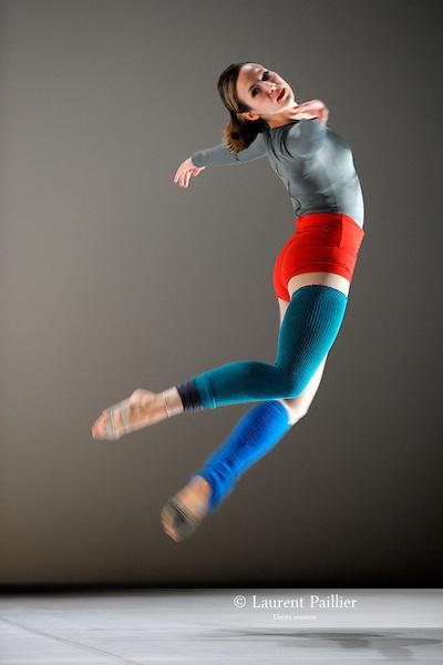 KRISTA<br /> Krista Nelson dans Roaratorio de Merce Cunningham<br /> Th&eacute;&acirc;tre de la Ville de Paris, le 09/11/2010