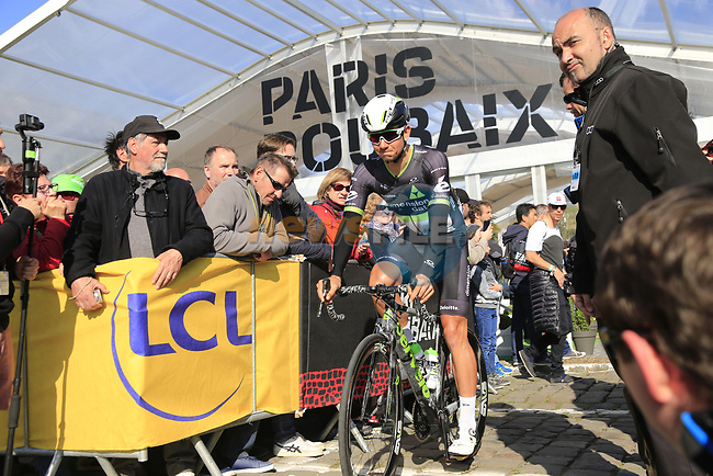Ryan Gibbons (RSA) Team Dimension Data at sign on for the 115th edition of the Paris-Roubaix 2017 race running 257km Compiegne to Roubaix, France. 9th April 2017.<br /> Picture: Eoin Clarke | Cyclefile<br /> <br /> <br /> All photos usage must carry mandatory copyright credit (&copy; Cyclefile | Eoin Clarke)
