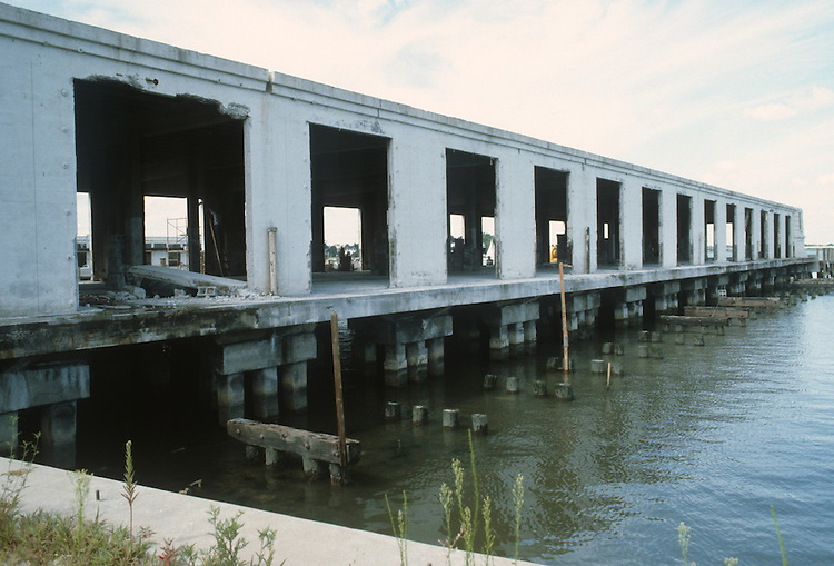 1983 AUGUST..Redevelopment.Downtown West (A-1-6)..FREEMASON HARBOUR.PIER A.BEFORE...NEG#.NRHA#..