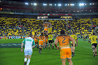 Jaguares' Javier Ortega Desio takes lineout ball during the Super Rugby match between the Hurricanes and Jaguares at Westpac Stadium in Wellington, New Zealand on Friday, 17 May 2019. Photo: Dave Lintott / lintottphoto.co.nz