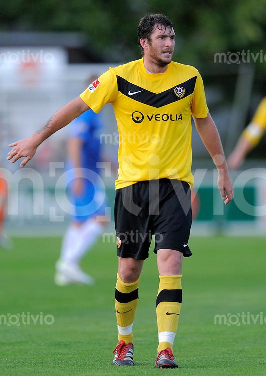 Fussball, 2. Bundesliga, Saison 2011/12, Testspiel SG Dynamo Dresden - Slovan Liberec, Pirna. Dresdens Pavel Fort gestikuliert.