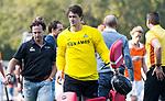 BLOEMENDAAL  - Sam van der Ven met links coach Jan Jorn van 't Land.   Hoofdklasse competitie heren, Bloemendaal-HGC (7-2). COPYRIGHT KOEN SUYK