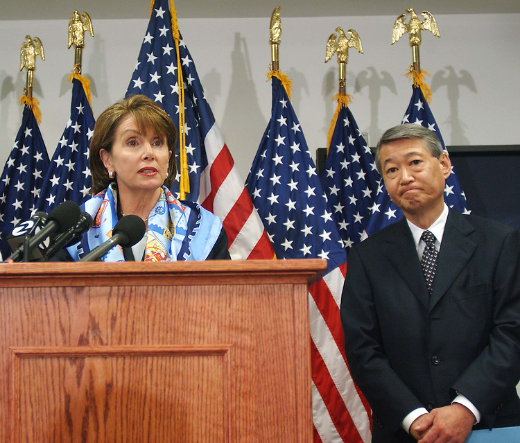 11/3/04.VOTE REACTION: HOUSE DEMOCRATS--House Minority Leader Nancy Pelosi, D-Calif., and Robert T. Matsui, D-Calif., chairman of the Democratic Congressional Campaign Committee, during a news conference at the committee headquarters on yesterday's election..CONGRESSIONAL QUARTERLY PHOTO BY SCOTT J. FERRELL