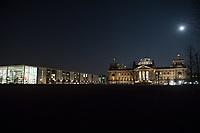 Der Reichstag, Sitz des Deutschen Bundestag, am Mittwoch den 1. Maerz 2018 bei Vollmond.<br /> Links, das Paul-Loebe-Haus.<br /> 1.3.2018, Berlin<br /> Copyright: Christian-Ditsch.de<br /> [Inhaltsveraendernde Manipulation des Fotos nur nach ausdruecklicher Genehmigung des Fotografen. Vereinbarungen ueber Abtretung von Persoenlichkeitsrechten/Model Release der abgebildeten Person/Personen liegen nicht vor. NO MODEL RELEASE! Nur fuer Redaktionelle Zwecke. Don't publish without copyright Christian-Ditsch.de, Veroeffentlichung nur mit Fotografennennung, sowie gegen Honorar, MwSt. und Beleg. Konto: I N G - D i B a, IBAN DE58500105175400192269, BIC INGDDEFFXXX, Kontakt: post@christian-ditsch.de<br /> Bei der Bearbeitung der Dateiinformationen darf die Urheberkennzeichnung in den EXIF- und  IPTC-Daten nicht entfernt werden, diese sind in digitalen Medien nach &sect;95c UrhG rechtlich geschuetzt. Der Urhebervermerk wird gemaess &sect;13 UrhG verlangt.]